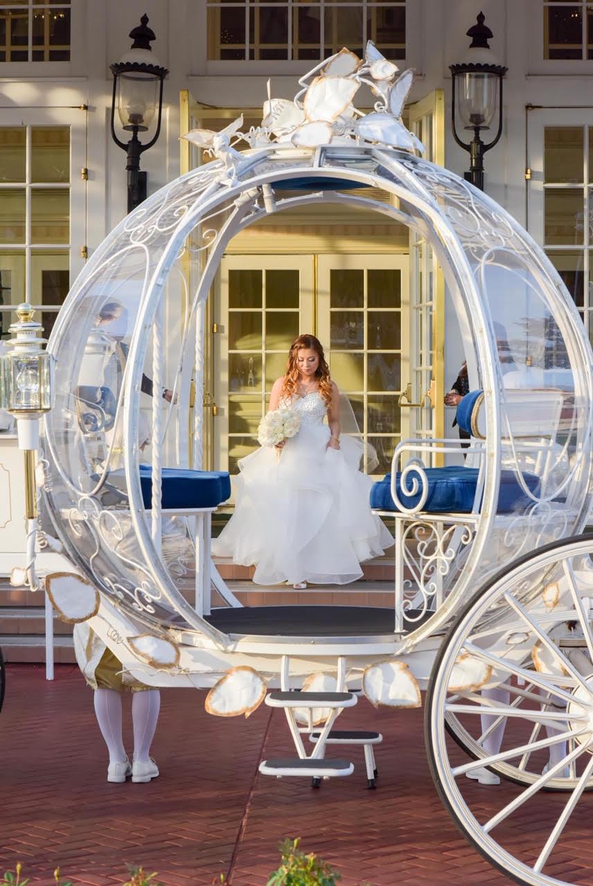 Disney Wedding Cost.Disney Fairytale Weddings Making Your Dream Wedding A Reality