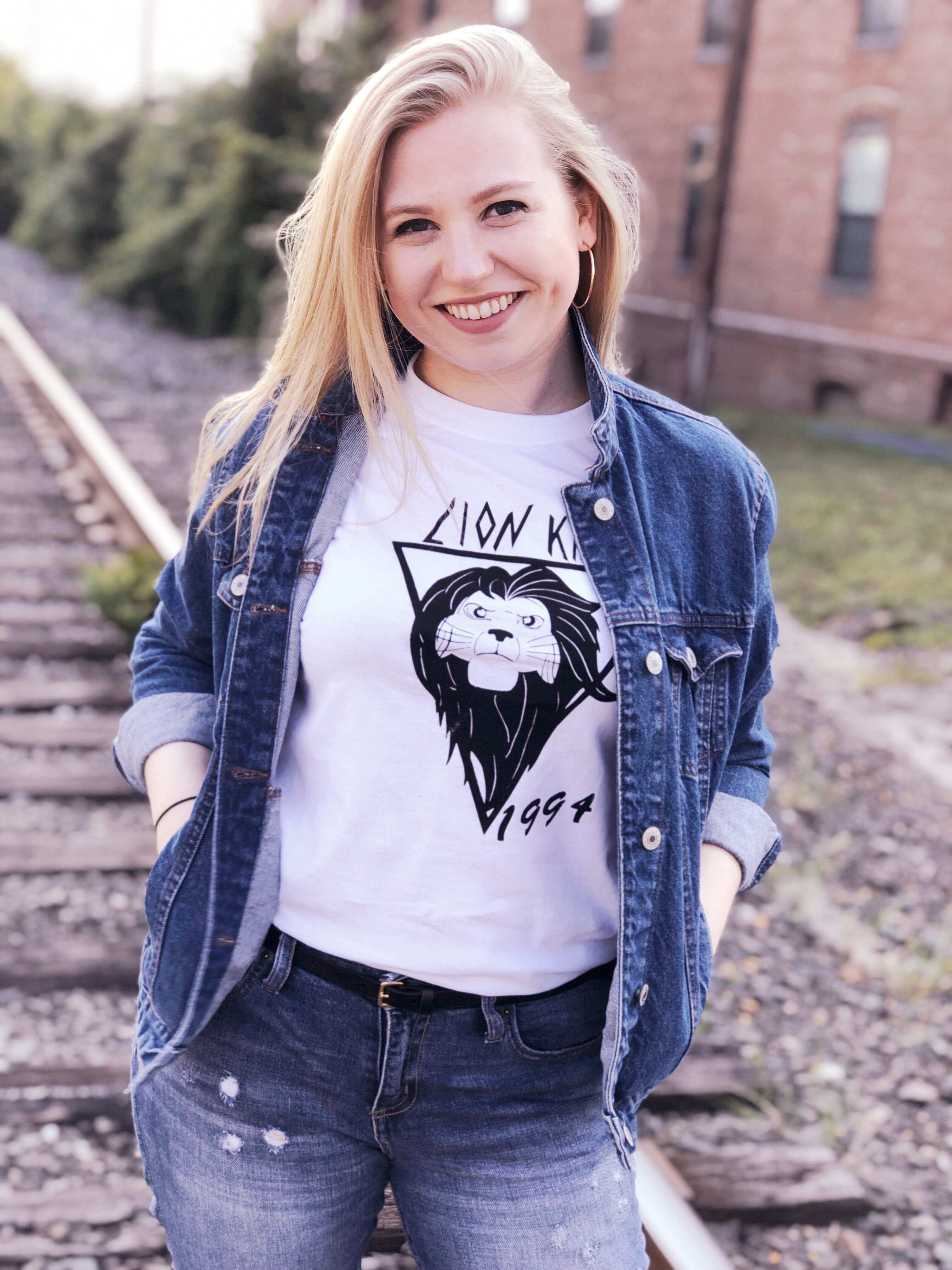 Kelly, the owner and designer behind karma&kismet, is inspired by the magic of Disney and brings a little bit of magic into her designs for individuals, small businesses, and large corporations.
