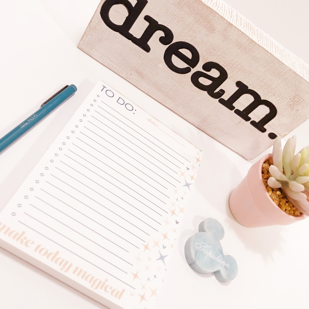 Bring magic to your office! Disney stationery adds a little bit of pixie dust to your desk, office, home, classroom, or dorm!